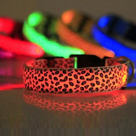 Reedog svíticí obojek pro malé, střední a velké psy gepard